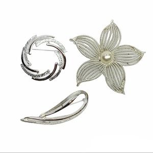 Sarah Coventry vintage silver tone brooch set of 3